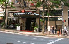 —Me alojo en el hotel Heathman de Portland. ¿Le parece bien a las nueve y media de la mañana?