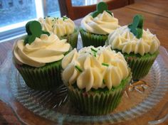 Green Velvet #Cupcakes via @Food.com.  Perfect for St. Patrick's Day!