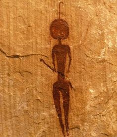 The Altamira cave paintings Prehistoric Cave painting Ancient Aliens, Ancient History, Art History, Ufo, Paleolithic Art, Art Doodle, Cave Drawings, Art Ancien, Arte Tribal