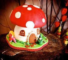 fairy house cake | Flutterby Bakery