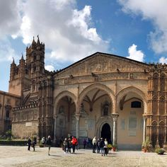 Final part of our Palermo Cathedral panorama —check our profile for the full shot. Such a dramatic and impressive building. It never ceases to amaze me on our travels how much effort humans go to when it comes to religious devotion. #sicily #palermo #cathedral #adventurebeginsatOM