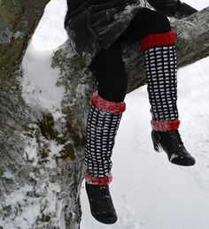 Nu när vintern kom på riktigt, blev jag i akut behov av benvärmare! Det är skönt och praktiskt när man har kjol, att bara dra på när man ska ut...