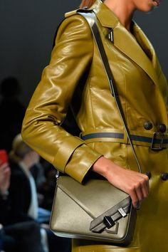 Thierry Mugler at Paris Fashion Week Spring 2016 - Details Runway Photos
