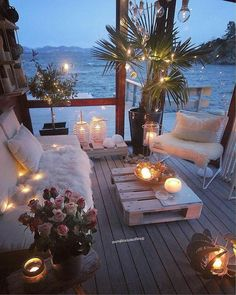 My idea of a perfect chill out space; cosy seats, fairy lights & candles, & right next to the sea! 😍 I'd spend most of my time here if I was lucky enough to have it! 💟