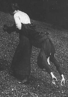 Simone & Golo. Jacques Henri Lartigue. Saint Cloud, 1913.