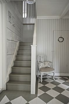 checkerboard floor P ö m p e l i Painted Floorboards, Painted Floors, Grey And White Hallway, Interior Design Living Room, Living Room Decor, Entry Stairs, Swedish House, House Painting, Colorful Interiors
