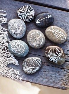 Coastal Decor, Beach & Nautical Decor, Crafts & Shopping: Decorate with Painted Beach Rocks Rock Crafts, Arts And Crafts, Deco Marine, Sweet Paul, Beach Crafts, Seashell Crafts, Paint Pens, Pebble Art, Stone Art