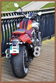 Ducati, Yamaha, 1200 Custom, V Max, Bike Life, Sport Bikes, Helmets, Cars And Motorcycles, Motorbikes