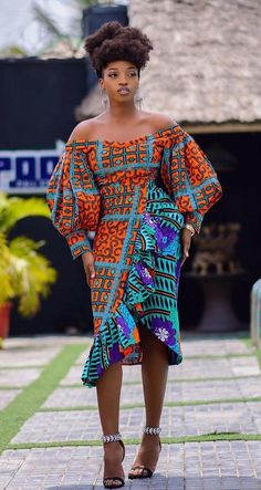 ankara mode Gorgeous ankara styles for ladies Hello here are some lovely and adorable ankara dresses that will give you that unique look you need for this season. Every woman n African Wear Dresses, African Fashion Ankara, African Inspired Fashion, Latest African Fashion Dresses, African Print Fashion, Africa Fashion, African Attire, African Prints, African Dress Styles