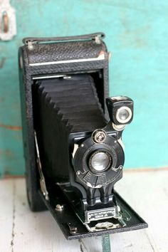 This domain may be for sale! Old Cameras, Vintage Cameras, Classic Camera, Photography 101, Timeless Classic, Old Photos, Sale Items, Retro Vintage, Old Things
