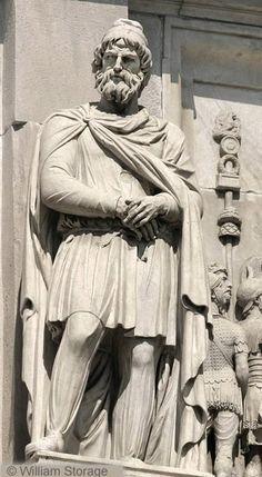 Romania Megalitica: Dacii au impus respect, frica, admiratie. Dacii, un popor liber, un popor de initiati.