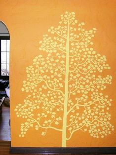 Decorazioni per pareti: stencil e pittura - Decorazione parete con pittura, albero giallo