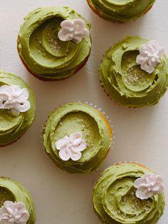 Vanilla-Orange Cupcakes with Matcha Buttercream