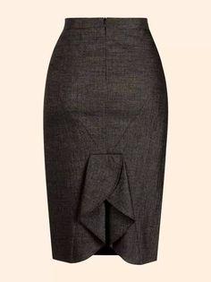 Esta saia pode ser feita de linho misto, linho puro, poliéster com viscose, gabardine e oxford. moldes do tamanho 38 ao 54.