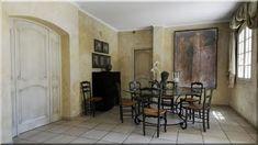 Mediterrán házak, lakások - Lakberendezési stílusok Loft Furniture, Garden Furniture, Vintage Furniture, Wooden Floor Tiles, Wooden Flooring, Country Chic, Country French, Garden Poles, Rustic Fence