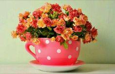 Xícara super linda e ideal para decorar a mesa do seu chá de panela. #chádepanela #xícarasuperfofa #amodecorar