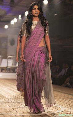 Best of India Couture Week 2015 - Pale Windsor Wine Silk Organza Saree with Metallic Grey Blouse - Monisha Jaising Indian Attire, Indian Ethnic Wear, Indian Style, Indian Dresses, Indian Outfits, Pakistani Dresses, Organza Saree, Silk Organza, Silk Sarees