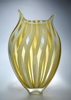 Foglio in Almond: David Patchen: Art Glass Vase by alba