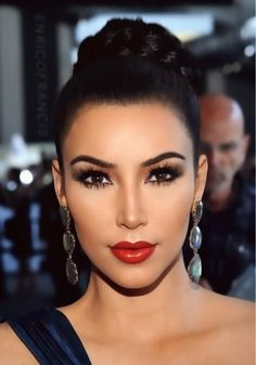 Holiday Makeup idea/ Kim Kardashian