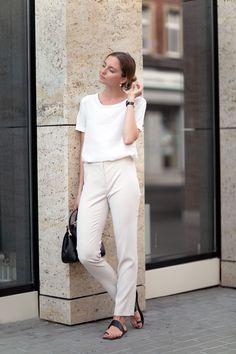 ALL WHITE - FashionMugging