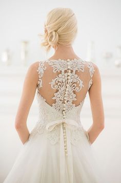 Such a romantic back view of this beautiful wedding dress! Ever After Bridal-Veluz Reyes 2015 Bridal Couture Collection