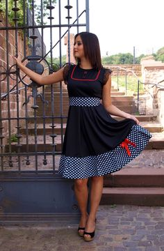 5a25cef2295b Rockabilly Kleid Vintage DIVA Red Version Punkte von Black Cherrys Store®  auf DaWanda.com