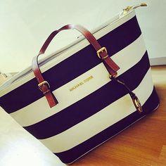 Michael Kors Handbags #Michael #Kors #Handabgs Discover thousands of images about Fashion on Pinterest