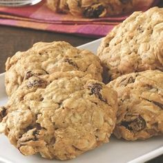 oatmeal chocolate chip cookies: Makes about 4 dozens  Prep time: 20 minutes Bake time: 8 minutes