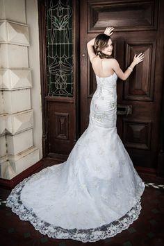 Studio Lighting, Mermaid Wedding, Wedding Dresses, Model, Fashion, Bride Dresses, Moda, Bridal Gowns