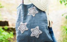 Virkkaa tähtiä Drawstring Backpack, Crocheting, Backpacks, Bags, Fashion, Crochet, Handbags, Moda, Fashion Styles
