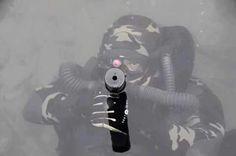 Nas águas calmas e aparentemente tranquilas eis que surge os Mergulhadores de Combate para atormentar o inimigo.  Operações Especiais   Grupo CAOS Brasil