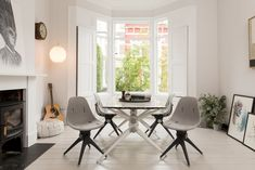 New brand Pentatonic is launching a modular furniture collection made of trash like old DVDs, smartphone glass, and plastic bottles. Entryway Furniture, Modular Furniture, Recycled Furniture, Home Office Furniture, New Furniture, Furniture Making, Contemporary Furniture, Furniture Design, Furniture Movers