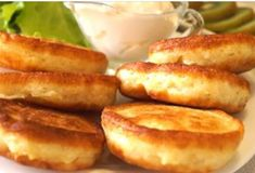 Fluffy pancakes with kefir prepared at home — step-by-step recipes with photos - Buzz On Live How To Cook Pancakes, Tasty Pancakes, Fluffy Pancakes, Apple Ingredients, Russian Recipes, Kefir, Fritters, Brunch Recipes, Food Photo