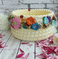 553 likes 7 comments Diy Crochet Basket, Crochet Bowl, Crochet Basket Pattern, Knit Basket, Crochet Patterns, Crochet Yarn, Crochet Decoration, Crochet Home Decor, Crochet Crafts