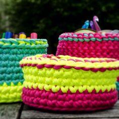 "@stitchesknitsandknots's photo: ""Handmade t-shirt yarn baskets! #crochet #WoolAndTheGang #shareyourknits  #JerseyBeGood"""