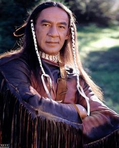 Cloud Dancing (Larry Sellers) instagram.com/makingdqmw Native American Actors, Native American Pictures, Indian Pictures, Native American History, Native American Indians, Dr Quinn, Film Passion, Westerns, Joe Lando