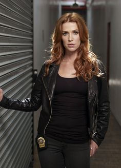 tv show UNFORGETTABLE pictures | ... à 3000 × 4177 dans Unforgettable TV Series starring Poppy Montgomery