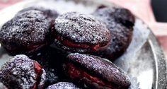 Chokolade whoopies med hindbær-nougatcreme