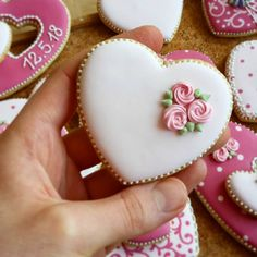 Flower Cookies, Heart Cookies, Cute Cookies, Easter Cookies, Cupcake Cookies, Cupcakes, Honey Cookies, Iced Cookies, Royal Icing Cookies