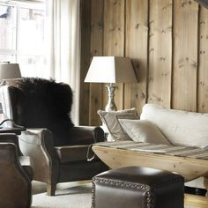 Ny lun hytte med interiørbeis – Happy Homes Norge Interior Styling, Most Beautiful Pictures, Discovery, Accent Chairs, House Design, Cabin, Furniture, Home Decor, Beige