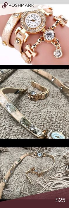 🎁SALE🎁 Fashionable Watchlet ❌ BRAND NEW ❌ GREAT DESIGN  ❌ MADE FOR ANY OCCASION ❌ FASHION STATEMENT ❌ AMAZING LOOK ❌ EASY WEAR ❌ STYLISH FINISH   ‼️PLEASE PURCHASE WITH CONFIDENCE‼️ Jewelry Bracelets