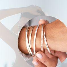 VoVeBoX | isimli kolye, isimli yüzük, gümüş bilezik, aile kolye Bangles, Bracelets, Jewelery, Personality, Fashion, Jewlery, Moda, Jewels, Jewerly