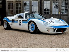 The Ford is an British designed and built endurance racer that was developed with the sole purpose of taking the fight to Ferrari. The 1969 Ford Ford Gt40, Ford Gt 2017, Classic Race Cars, Ford Classic Cars, Ford Motor Company, Us Cars, Sport Cars, Motor Sport, Dream Cars