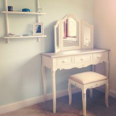 Really want a dressing table in my new home!
