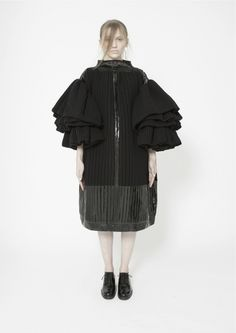 Sculptural Fashion - oversized dress with ruffled 3D sleeves; contemporary fashion // Inga Nemirovskaia