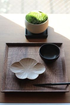 would be lovely to have some japanese tableware