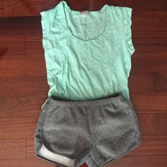 Cotton on top Light green cotton on top in great condition Cotton On Tops Tees - Short Sleeve