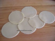 Finger Foods, Food And Drink, Plates, Tableware, Blog, Licence Plates, Dishes, Dinnerware, Griddles