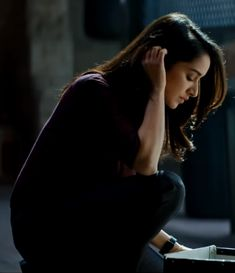 The Saaho trailer has been viewed by more than 50 million people within 5 days of release. The trailer features Prabhas as the lead actor, Shraddha Kapoor as the lead actress with Neil Nitin Mukesh and various other talented actors. Shraddha Kapoor Saree, Priyanka Chopra, Deepika Padukone, Cute Girl Poses, Cute Girl Pic, Stylish Girl Images, Stylish Girl Pic, Prettiest Actresses, Beautiful Actresses