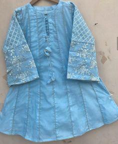 Baby Girl Dress Design, Girls Frock Design, Kids Frocks Design, Baby Frocks Designs, Stylish Dress Book, Stylish Dresses For Girls, Stylish Dress Designs, Pakistani Fashion Casual, Pakistani Dresses Casual